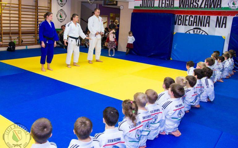 11 powodów dlaczego sztuki walki są lepsze dla Twoich dzieci niż gry zespołowe